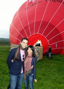 Kianoush and Dessy get ready for their balloon flight.
